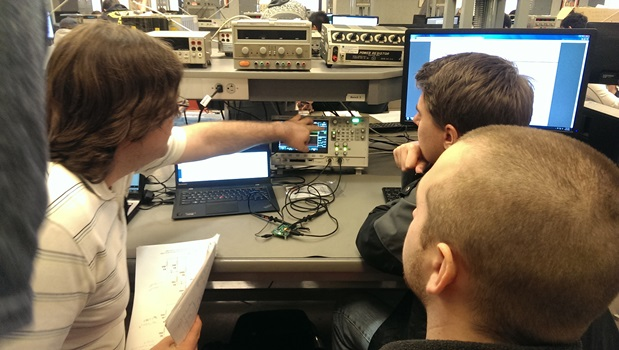 Undergraduate students participate in the hardware hacking class